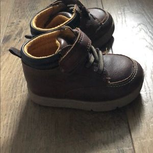Carters boys 3.5 boots